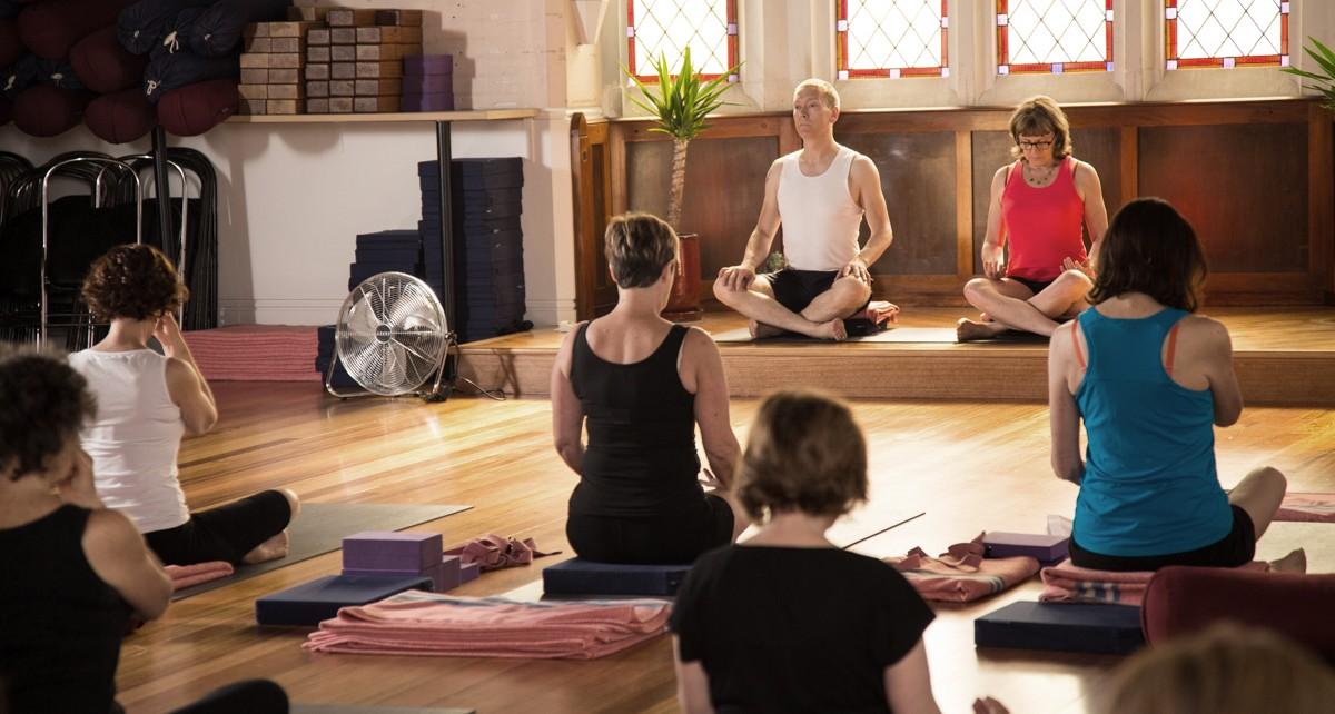 about-luna-yoga