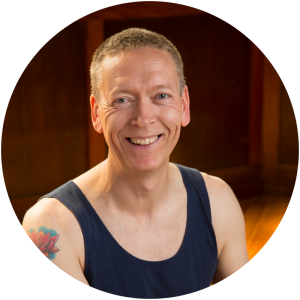 teachers-graeme-luna-yoga